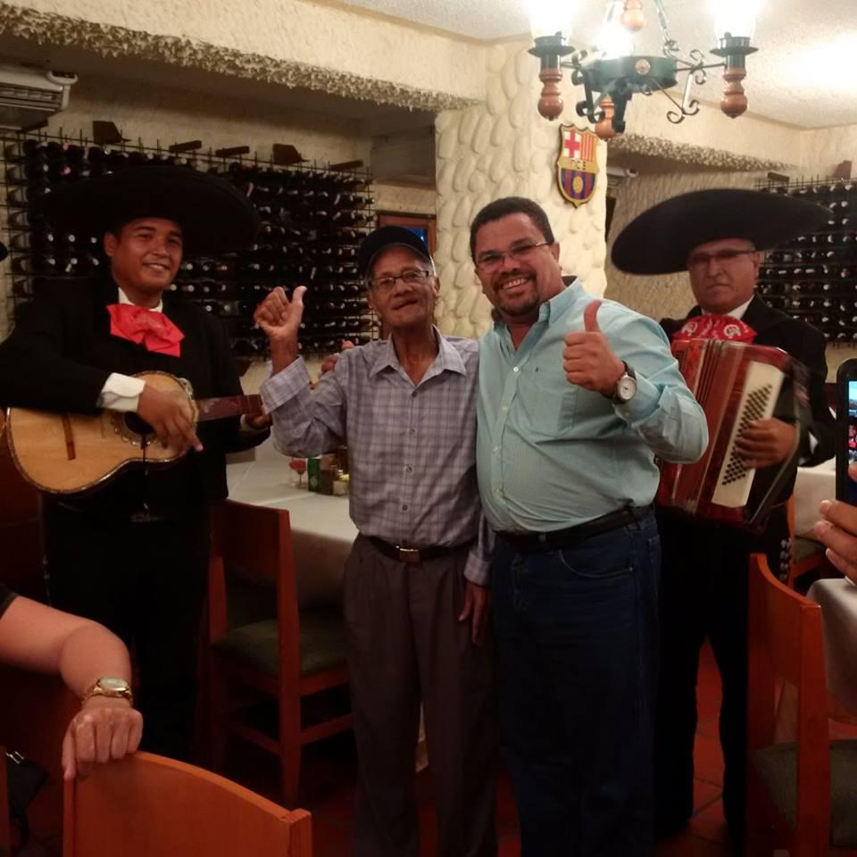 Jodedores! Estamos Celebrando la Vida de #CanutoRausseo Gracias a #Dios le pusimos saldo a #Paito @SiciliaStandUp https://t.co/71a7AeFh1J