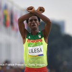The Ethiopian marathoner who flashed an antigovernment gesture in Rio isnt returning home. https://t.co/nvweihUABN https://t.co/Eror3DPSBo