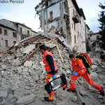 Photo shows rescuers search a crumbled building in Arcuata del Tronto, in central Italy, after 6.2-magnitude quake. https://t.co/QqlLKEdQPv