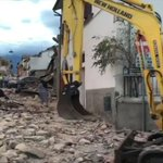 Reports of deaths, towns buried in rubble coming in from 6.1 central Italy quake https://t.co/SniTYNHM2p https://t.co/bUmxsRrRL1