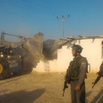 הרשויות הישראליות הרסו הבוקר שלושה מבנים בישוב אום אל-ח׳יר, שבסמוך אליו הוקמה ההתנחלות כרמל https://t.co/GtJLmPxIGt