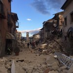 #Amatrice (where Pasta Amatriciana was born) before and after #ItalyEarthquake https://t.co/VHMzSh1vjc