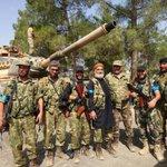 Sırtlarını Türkiyenin tanklarına dayayan Suriyeli Türkmenler. Allah hepsini korusun. https://t.co/cJiTAE2V7V
