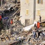 ⚠ Siguen los rescates en las localidadesmás afectadas por el terremoto, Amatrice, Accumoli yArquata del Tronto ⚠ https://t.co/PQZ7ituzQ2