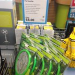 Annoyed by the flies? Maplin have plug in Insect Killers and Fly Swatting Bats in stock #barnsleyisbrill https://t.co/bsCdoHG9aD