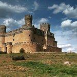 El castillo nuevo de Manzanares el Real o también conocido como de los Mendoza del S.XV #Madrid https://t.co/3mEXfmlouT