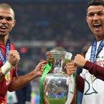 """Ronaldo: """"Para mim Pepe foi mesmo o melhor jogador do Euro 2016"""" https://t.co/haGBC8hTOT"""