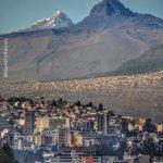 Quito y los volcanes Corazón e Illiniza Sur. #AllYouNeedIsEcuador #ecuafoto #Quito #fotografía #paisajes https://t.co/PA2XaGcP2h