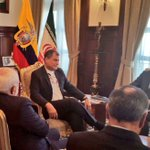 Presidente @MashiRafael mantiene audiencia con el Ministro de Relaciones Exteriores de Irán, @JZarif, en #Carondelet https://t.co/kKbePPxXcE