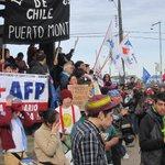 En Puerto Montt también fuimos miles contra AFP. #No+Afp #Afp #Jubilaciones #PuertoMontt https://t.co/vjoPYISGnT https://t.co/KNyFKwjDFd