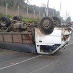 #Osorno: camión 3/4 volcado en Ruta U-400, sector cuesta #Curaco. Manejar con extrema precaución (vía @OsornoNews) https://t.co/8x177kC7u0