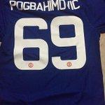 Quando queres comprar as camisolas de Pogba e Ibrahimovic e só tens dinheiro para uma... 😅 https://t.co/6A9XWJi8KO