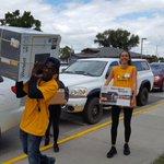 @margreeta @annikalai5 helping with #movingday https://t.co/asY6JQVfi9