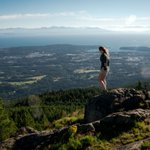 Today - why not challenge yourself? The hike up Mt. Benson in #Nanaimo isnt easy but IS rewarding. #exploreBC https://t.co/1w0XZHR0Xs