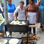 #ValoresPNH: Hoy en nuestra sede en el #CCPN,mujeres emprendedoras aprenden a hacer Pupusas,Baleadas y hornear Pan. https://t.co/9YKZIhPDtk