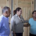 En nombre del Gobierno y el pueblo hondureño entregamos llaves de su nueva vivienda a Doña Sonia Lara en Lejamaní. https://t.co/q9Qb6A66FH