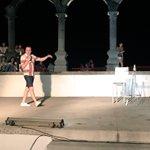 #PuertoVallarta está disfrutando del show de @richiesgenial en los arcos del malecón #LlevameAPuertoVallarta https://t.co/B63VMHAAUi