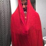 """""""Menos mal que mi hijo no se toma fotos frente al espejo del baño"""" https://t.co/6jT6upHo7G"""