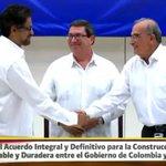 #AdiósALaGuerra Felicitaciones Colombia, @JuanManSantos y FARC por el paso histórico de hoy https://t.co/40va50T5O5 https://t.co/13AdODbx66