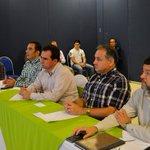 """Donde me presentaron el """"Programa de Vinculación con la Soc. Civil 2017/18"""", para lograr una gestión con resultados https://t.co/k7IJimqEsL"""