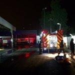 Incendio en casa colindante a terminal de buses Transtgo en Puente Alto. Bomberos evitó propagación. @Cooperativa https://t.co/U6qRaiFAHj
