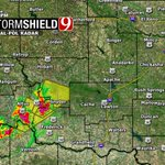 7:32pm- Strong storms in N central OK moving NE & severe storms moving NE into SW OK. Watching all! #okwx @NEWS9 https://t.co/lQDf5gHbsm