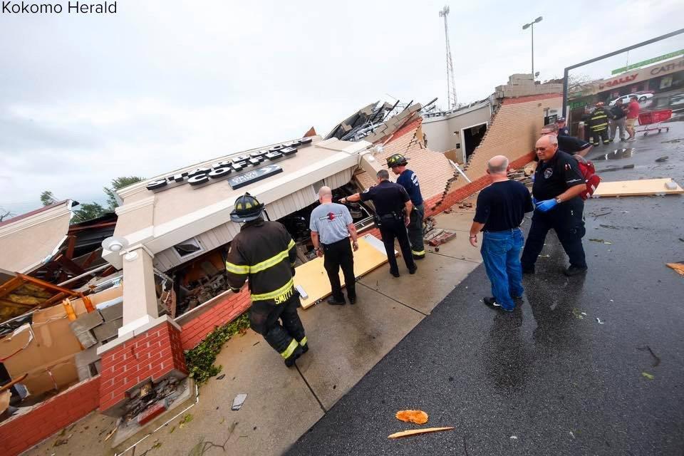 Photos show Starbucks in Kokomo, Ind., that was annihilated by a tornado; no major injuries. https://t.co/8idwlrf6Dt