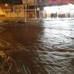 Así las calles de #Queretaro por #lluviaqro de esta noche (Pasteur en dirección a carretera 57) https://t.co/v1zbhjA6aP