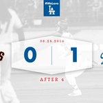 After 4: #Dodgers 1⃣, Giants 0⃣ ☝️ https://t.co/VNnKUhq5ja