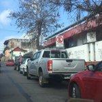 Vehículos mal estacionados a un costado del hospital #LaSerena. Foto @alexy_og https://t.co/TVuRrEbBo4