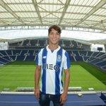 Óliver Torres.  Bem-vindo / Bienvenido / Welcome  #FCPorto @olitorres10 https://t.co/K1i959yb5S