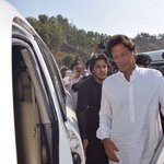 Chairman Imran Khan arrives at Chakdara. #سوہنیاں_پانامہ_مکادے https://t.co/w2J93Tzz87
