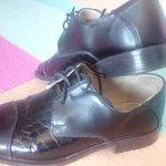 Ja kādam pirmklasniekam vajag melnas, solīdas kurpes- 32.izm., piesakās! Vilktas maz. Pret garda ievārījuma burku :) https://t.co/Zw0tlMhbJB