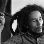 """NUKUU: """"Usiupende ulimwengu ukapoteza roho yako, hekima ni bora kuliko fedha na dhahabu,""""-Bob Marley https://t.co/Mu0xiwwTtc"""