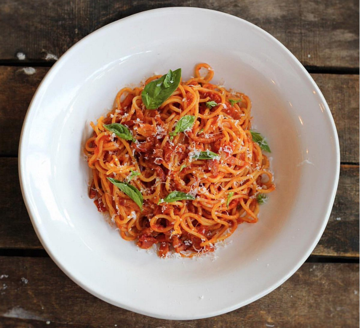 """RT @FoodRev: Join Jamie's support for Italy by ordering """"Pasta Amatriciana"""" #eatforitaly https://t.co/To6Oxk7is9 #FoodRevolution https://t.…"""