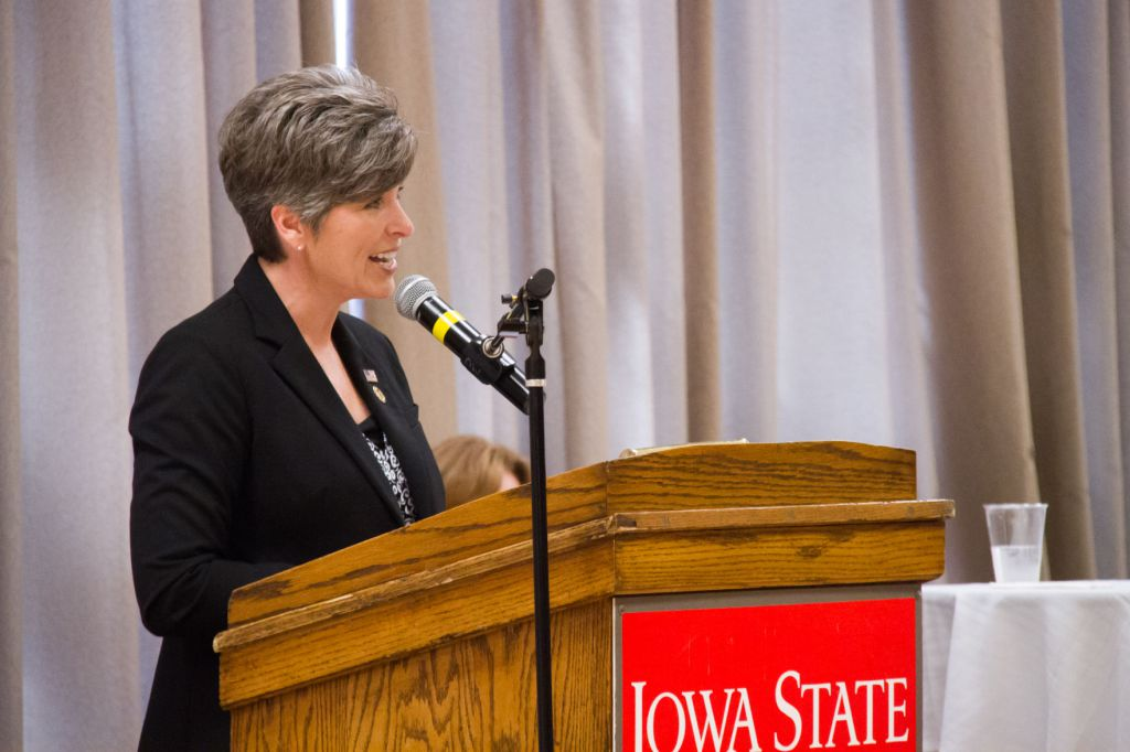 test Twitter Media - Ernst visits campus to promote vets in agriculture, entrepreneurship https://t.co/Ada3AWy9vJ https://t.co/EjIYx3RW9w
