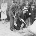#TBT Edward Doheny, Sr. broke ground for Doheny Memorial Library in 1931. Its hard to imagine @USC w/o it! #FightOn https://t.co/QahN9uB8rd