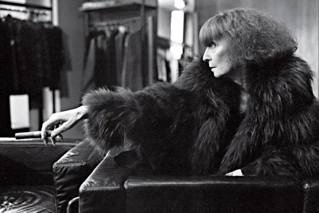 Au revoir to the Queen of Knits. #SoniaRykiel, you will be missed. ❤️ https://t.co/uu72J1DJvD