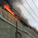 Se registra incendio en fábrica de plásticos en Av. Artesanos y Abundancia en la col. Santa Cecilia de Guadalajara. https://t.co/eThVE3Dh5S