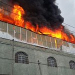 Se registra fuerte incendio en la colonia Santa Cecilia https://t.co/OBV4Lle5f9 https://t.co/18eDUy3ovF
