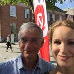 Med gruppeformanden @JakobSoelvhoej på torvet i Herning:) #venstreshøjborgsmuldrer #sammenmodulighed #dkpol https://t.co/vKZTElL35b