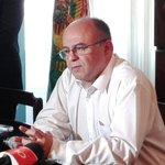#URGENTE Ministro de Defensa informa que se prohibirá, temporalmente, la venta de dinamita a mineros #Bolivia https://t.co/tMvhm5uVMa