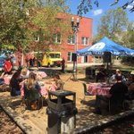 Great pop-up picnic by @FloridaTheatre in #JesseSmithPark in #DTJax today! Come enjoy  #ButtHuttJax BBQ & live music https://t.co/ZrSYnpGCRX