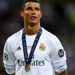 Cristiano Ronaldo 2015-16 ✅ Campeón de Champions ✅ Campeón de la Euro ✅ Campeón de goleo en Champions https://t.co/yePvG9I0R0