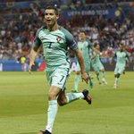 Cristiano Ronaldo meilleur joueur UEFA 2016 https://t.co/S7MrAyydnQ
