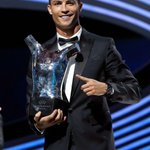 Champions League, Eurocopa y Mejor jugador de Europa en un mismo año. Cristiano Ronaldo, el Rey de Europa. https://t.co/pQJQIUlxC0