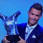 الدون أفضل لاعب في اوروبا  لعام 2016  #رونالدو_أفضل_لاعب_في_اوروبا https://t.co/hTS3rZS9Xm