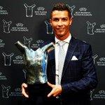 ✓ 54 goles. ✓ 18 asistencias. ✓ 55 partidos. ✓ Champions. ✓ Eurocopa. ✓ Mejor Jugador en Europa. CRISTIANO RONALDO. https://t.co/hHcWWcLqsY