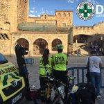 En la #PlazaMayor de #Cáceres cubrimos un descenso bike dnd el Arco de la Estrella con ambulancia y bicicletas #DYA https://t.co/DOErX324x1