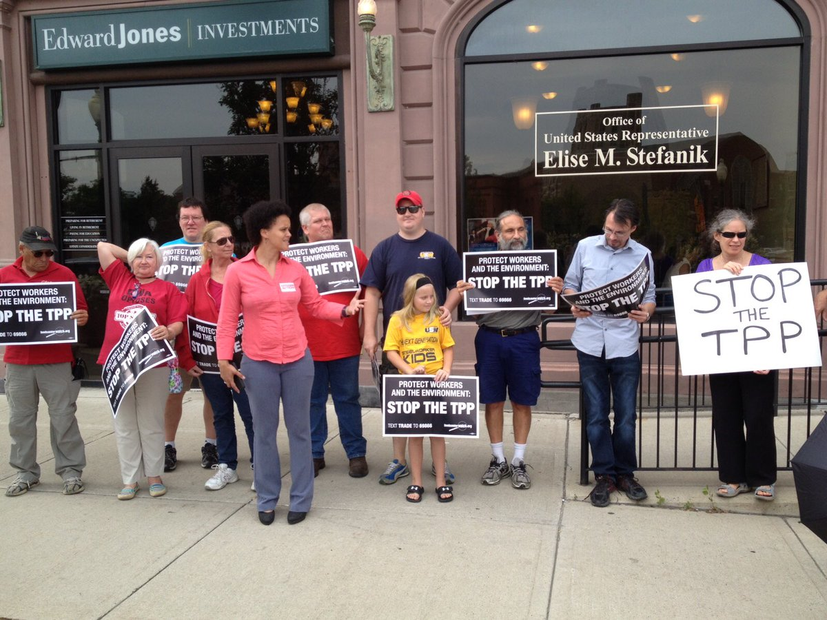 Standing w allies & local leaders outside @RepStefanik office today to deliver a simple message: #StopTPP #NoTPP https://t.co/K3ZobUjWw0